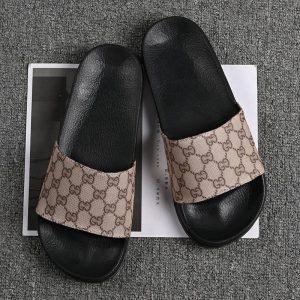 2021 spring and summer leisure men's slippers fashion beach sandals men's antiskid outdoor Italian style luxury brand slippers