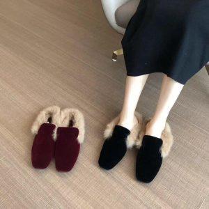 Brand Designers 2019 Winter Luxury Metal Chain Rabbit Hair Woman Fur Slides Slip On Loafers Velvet Mules Flip Flops