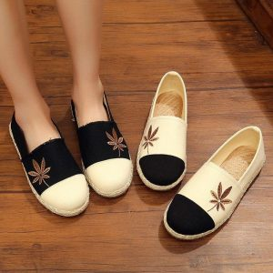 2019 Women Flat Espadrilles Loafers Hemp Canvas New Round Head Shallow Mouth Muller Shoes One Foot Maple Leaf Flat Shoes