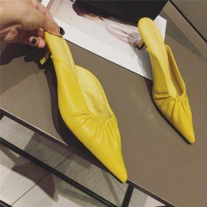 2020 Summer New Elegant Women Yellow Beige Low Heels Slides Mules Pointed Toe Slippers Designer Rose Red High Heels Slides Shoes