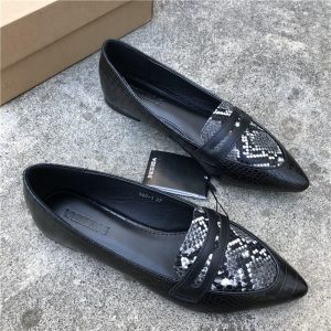 Animal Print Flat Shoes Women Plus Size Slip On Loafers Point Toe Snake Shoes Casual Ballet Flats Comfort Driving Shoes Woman
