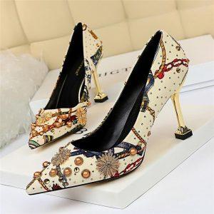 2019 Fashion Retro Women Pumps Flowers Cloth Printed High Heels Female Thin Heel Spring Summer Crystal Rivet Dree Party Shoes
