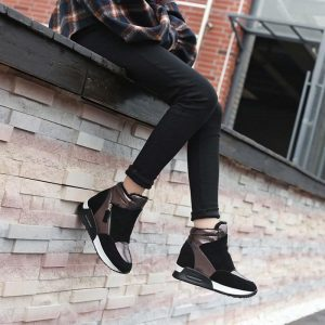 Suede Leather Boots Women Winter Shoes 2019 Fashion Ins Women Sneakers Height Increasing Shoes Warm Plush Snow Boots KT004
