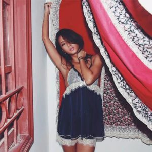 2019 New Night Gown Stain Backless Pijama Set Sleep Wear Lace Patchwork Loose Robe Sexy Lingerie Pajamas Women Fashion Sleepwear